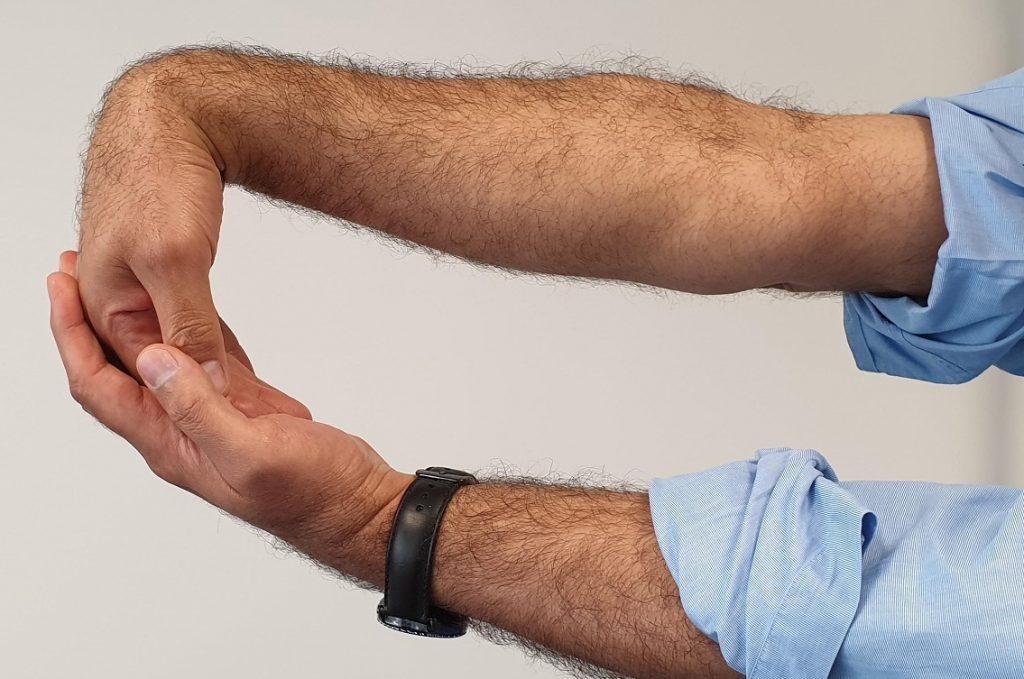 tennis-elbow-stretch-flexion